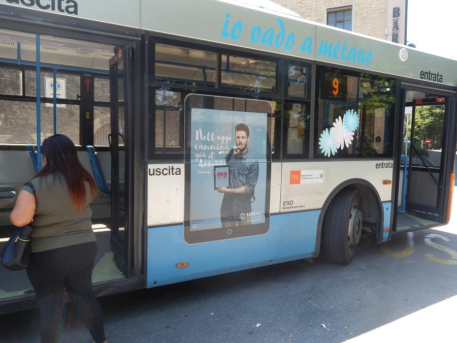 adesiva laterale autobus