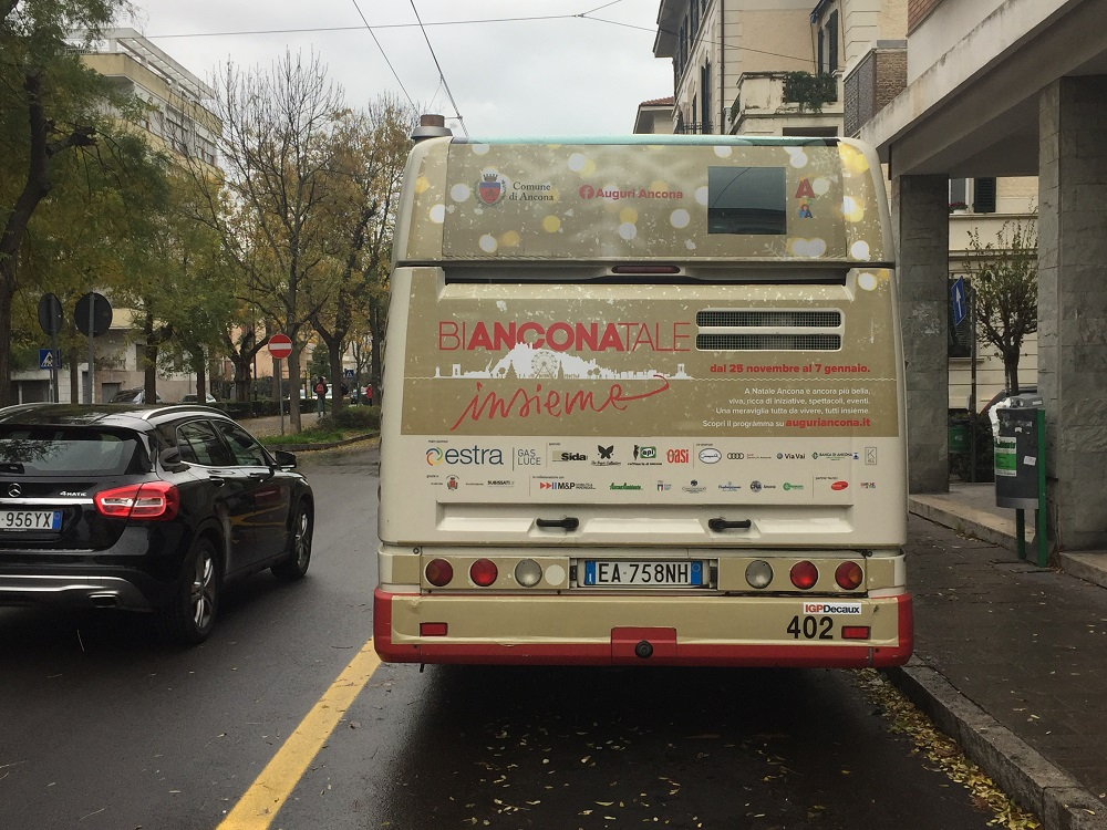 adesiva bus maxiretro ancona