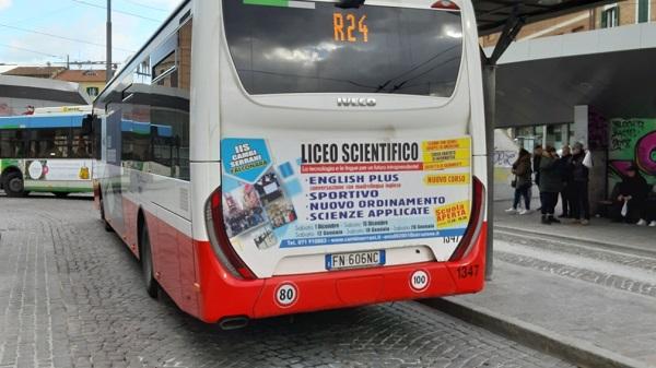 pubblicità con adesive negli autobus ad ancona falconara