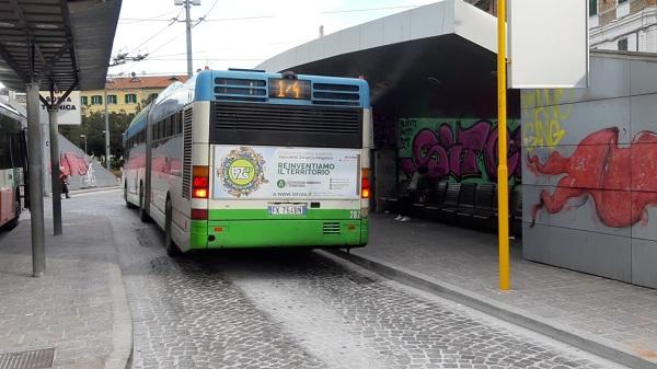 cartelloni negli autobus marchigiani