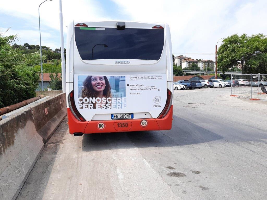 chiama libenzi per cartellonistica negli autobus e nelle pensiline